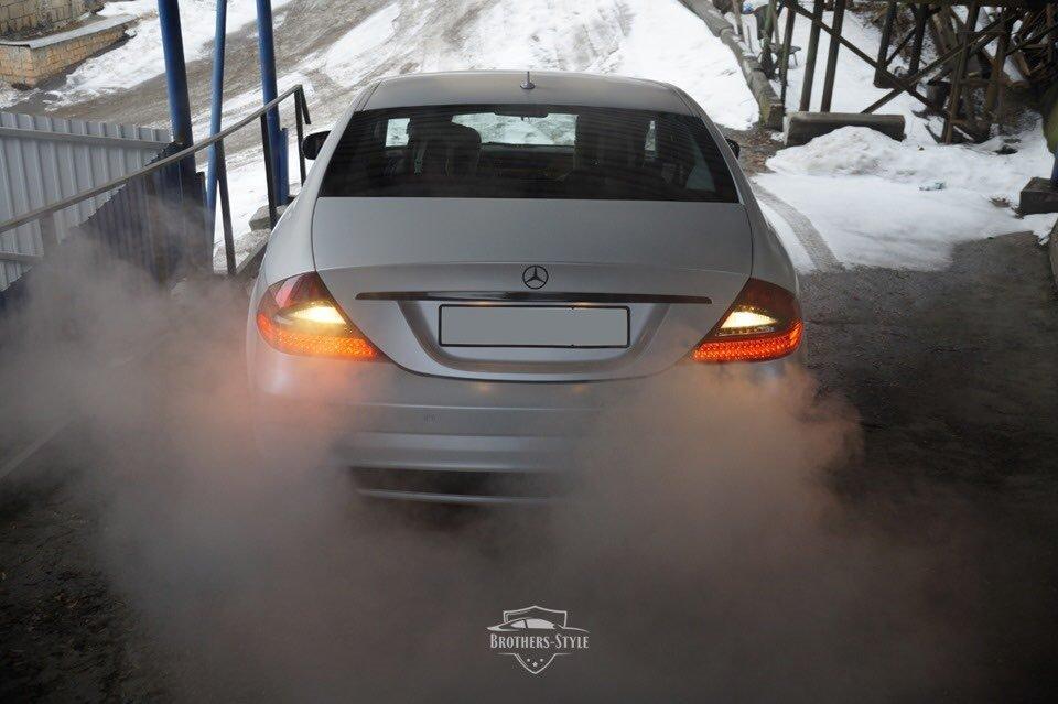 Mercedes-Benz W219 CLS Carbonized (4)