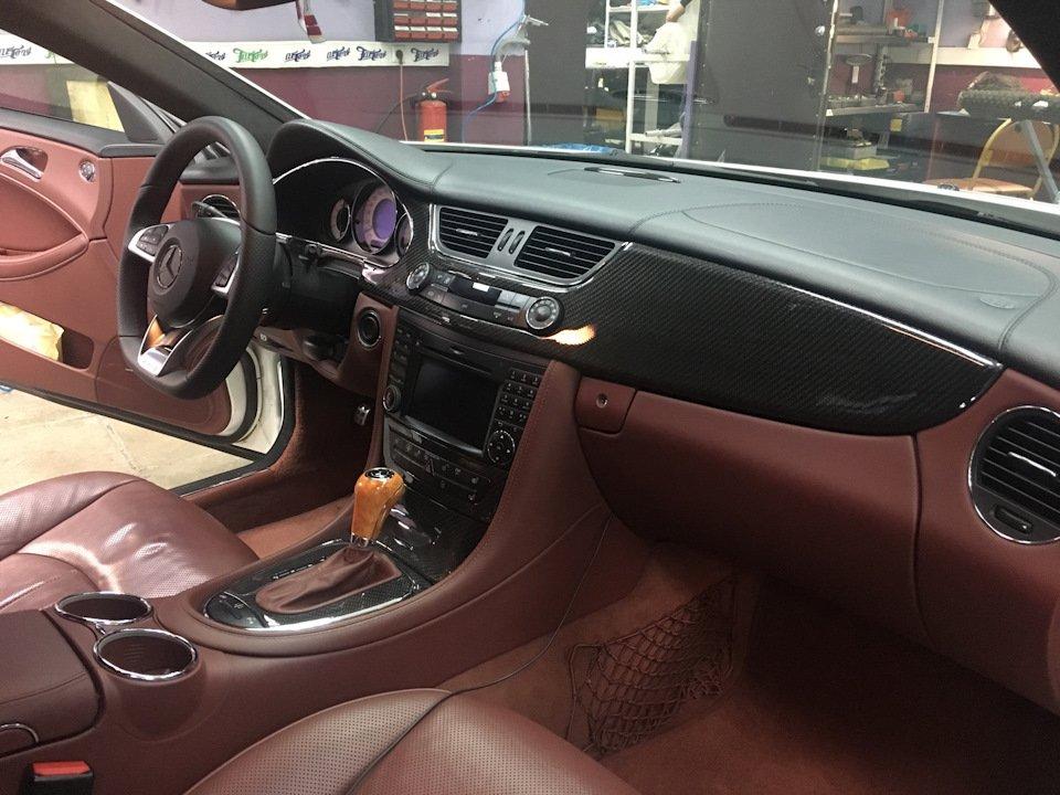 Mercedes-Benz W219 CLS Carbonized (56)