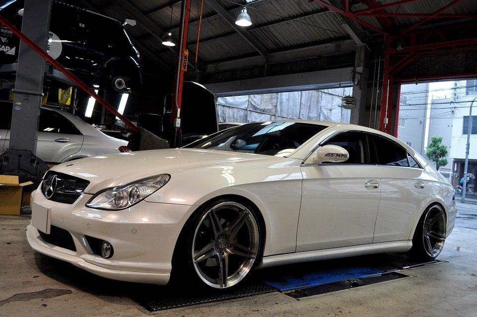 Mercedes-Benz W219 CLS Carbonized (81)