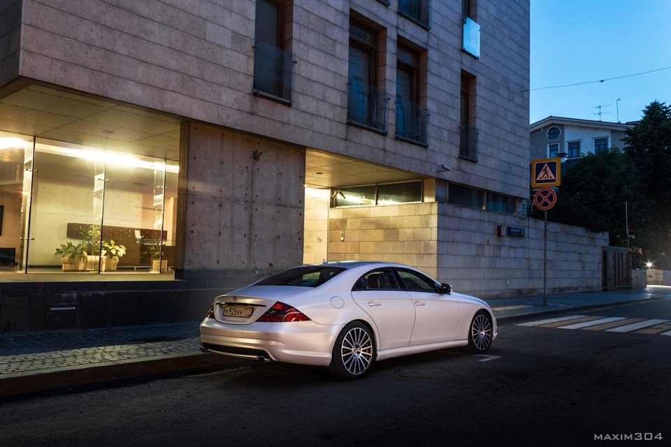Mercedes-Benz W219 CLS Carbonized (8)