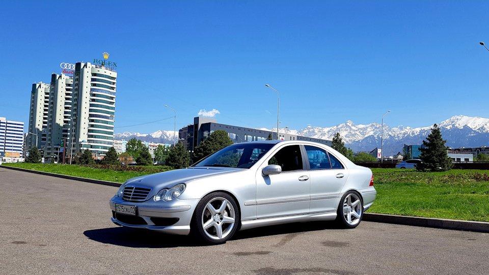 Mercedes C32 AMG W203 (13)