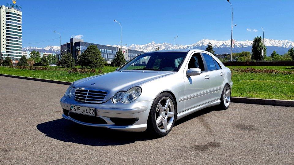 Mercedes C32 AMG W203 (15)