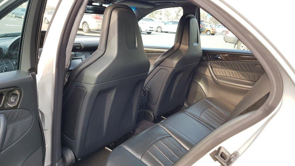 Mercedes C32 AMG W203 (18)