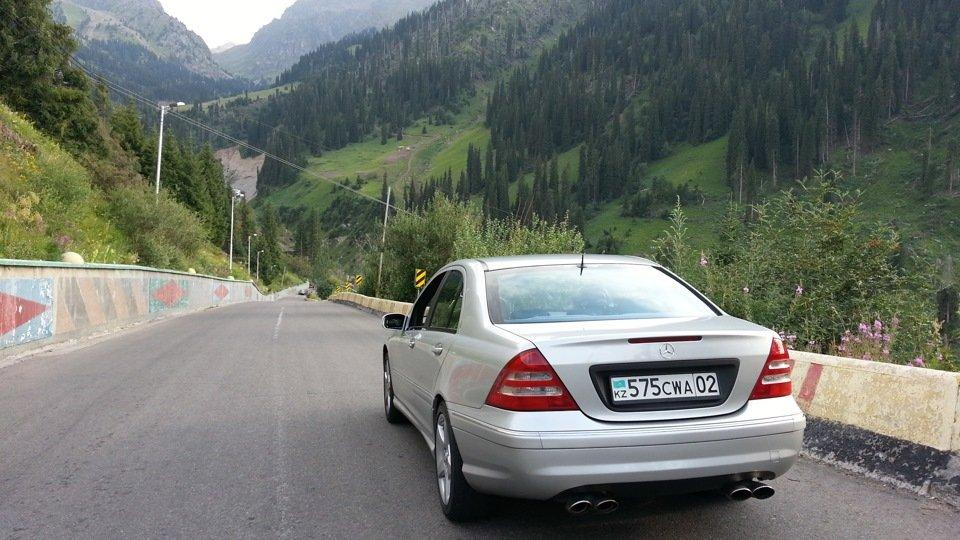 Mercedes C32 AMG W203 (1)
