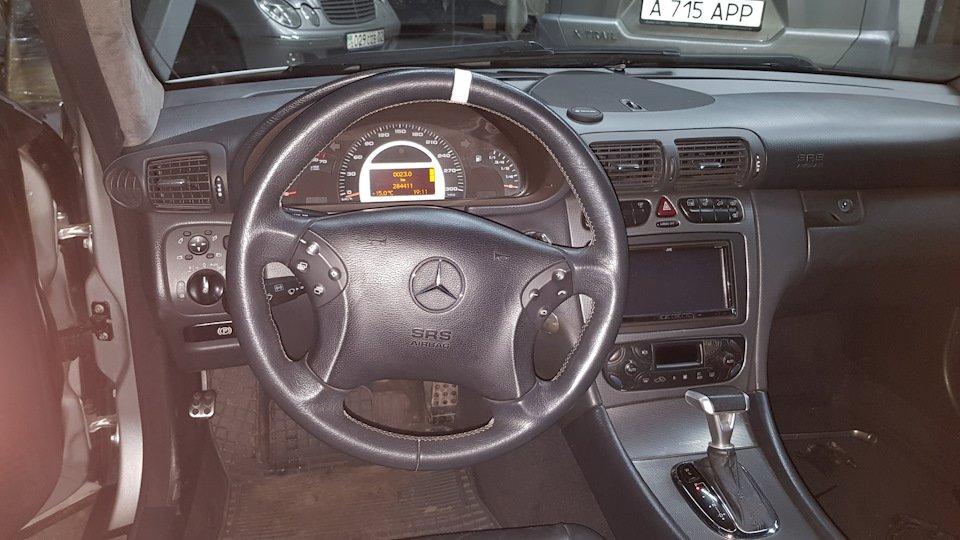 Mercedes C32 AMG W203 (20)