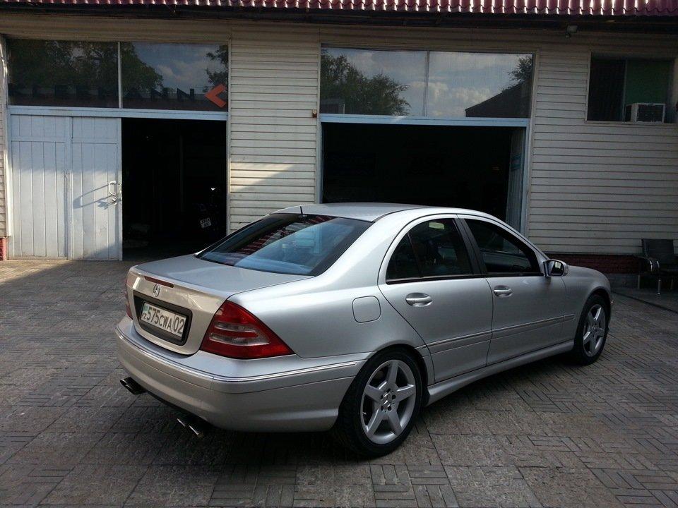 Mercedes C32 AMG W203 (22)