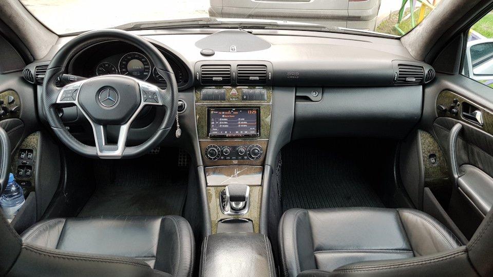 Mercedes C32 AMG W203 (24)