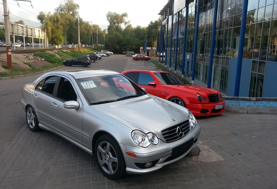 Mercedes C32 AMG W203 (28)