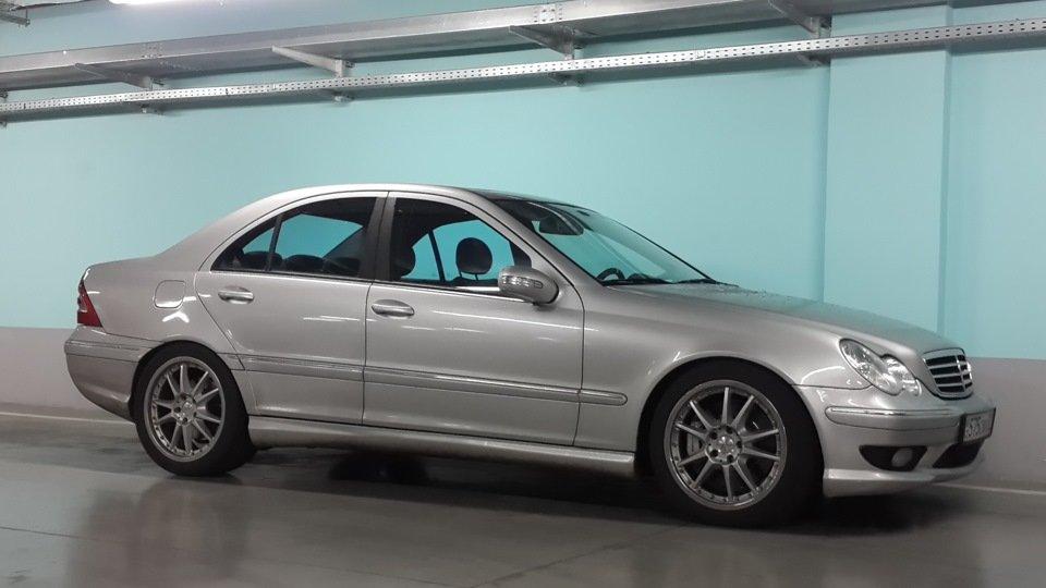Mercedes C32 AMG W203 (38)