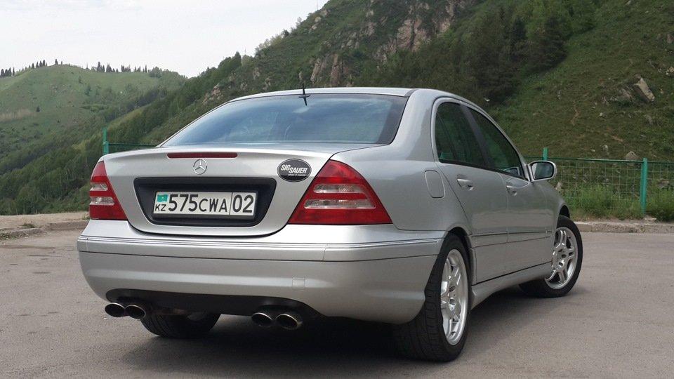 Mercedes C32 AMG W203 (39)