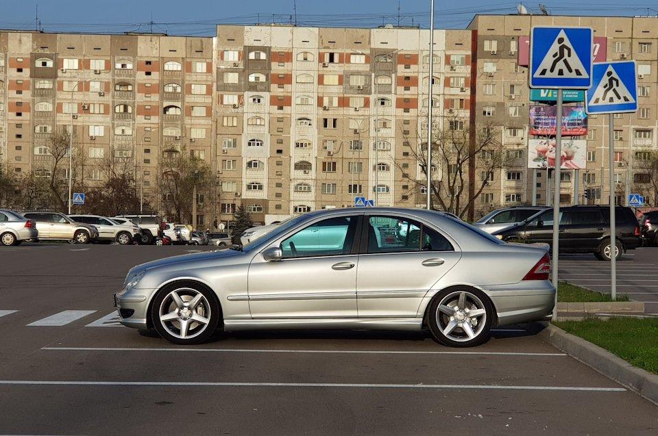 Mercedes C32 AMG W203 (40)