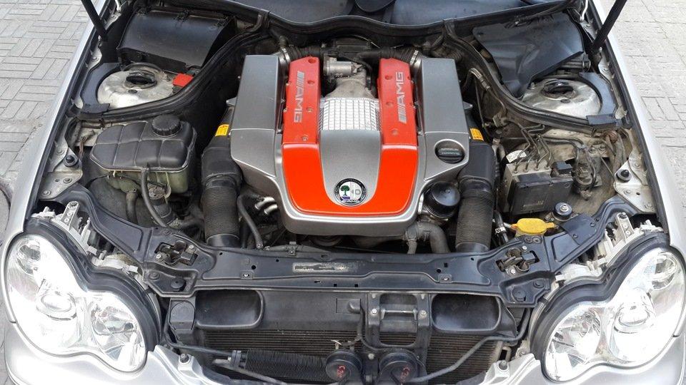 Mercedes C32 AMG W203 (45)