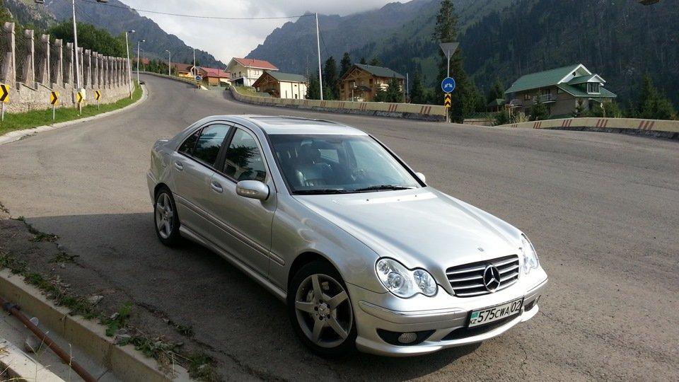 Mercedes C32 AMG W203 (46)