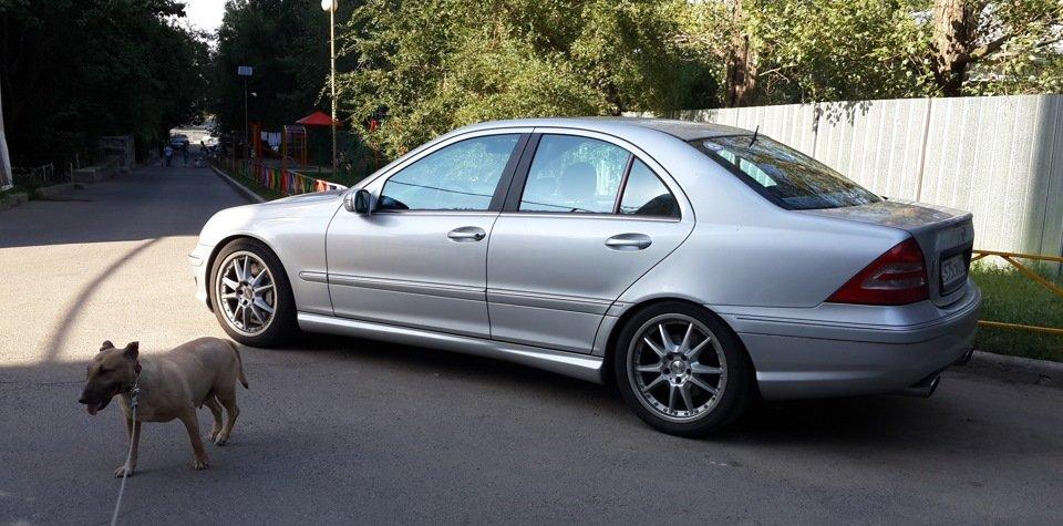 Mercedes C32 AMG W203 (49)