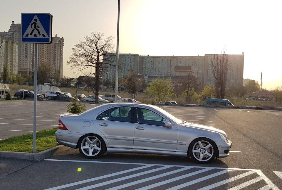 Mercedes C32 AMG W203 (50)