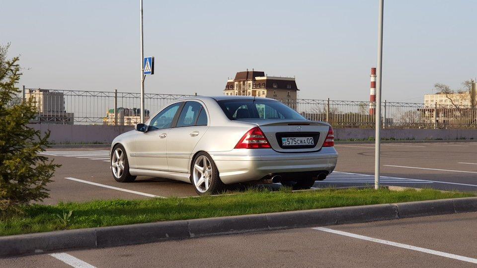 Mercedes C32 AMG W203 (56)