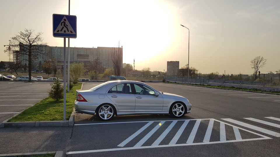 Mercedes C32 AMG W203 (57)