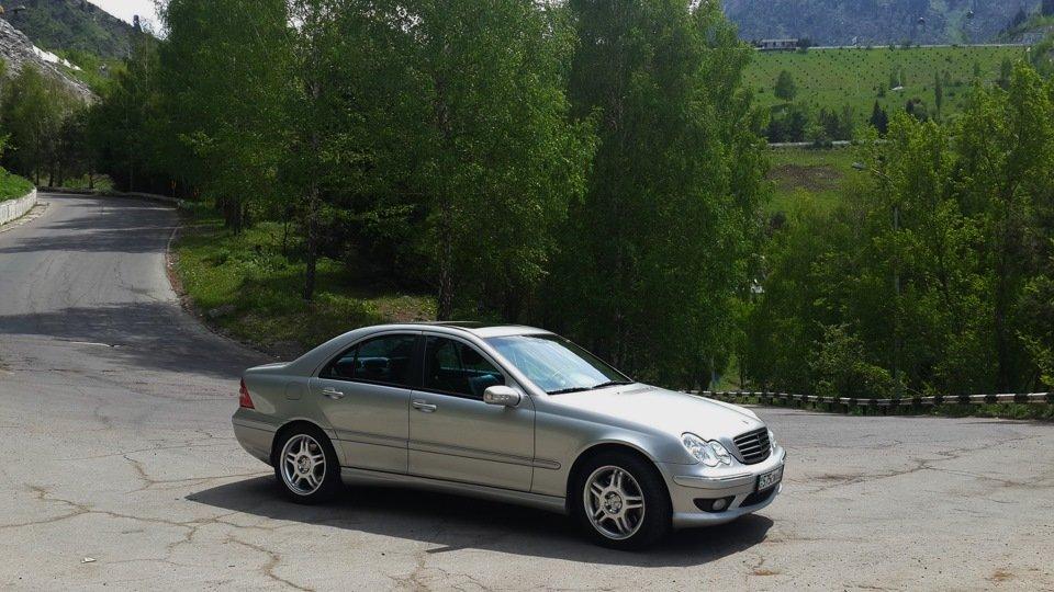 Mercedes C32 AMG W203 (61)