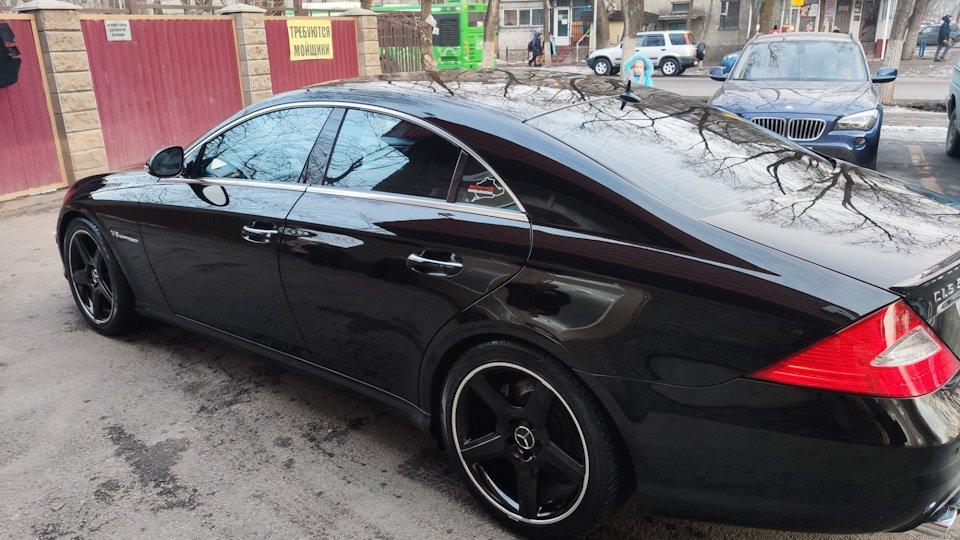 Mercedes CLS55 AMG Black (17)