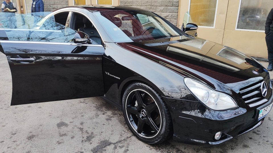 Mercedes CLS55 AMG Black (18)