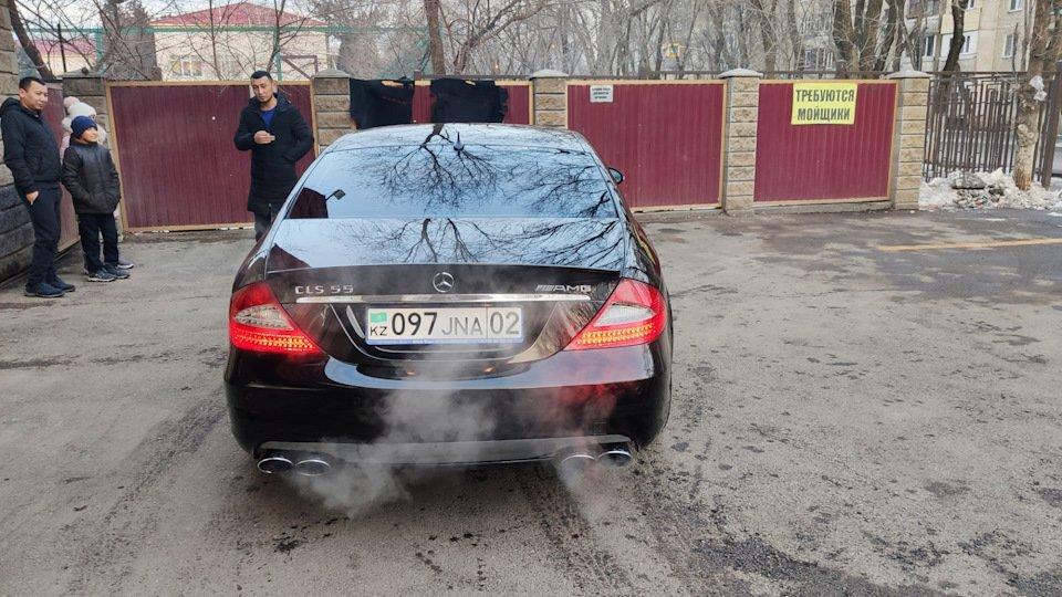 Mercedes CLS55 AMG Black (1)