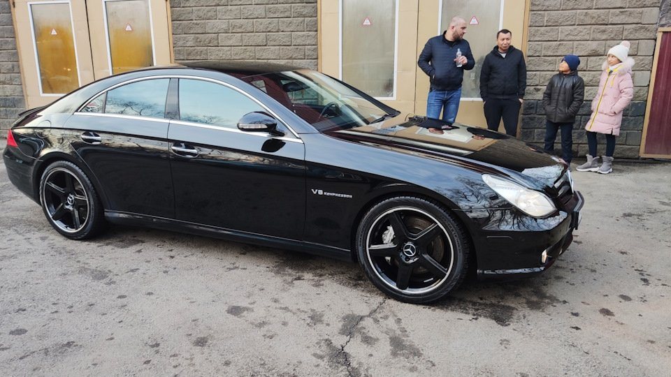 Mercedes CLS55 AMG Black (28)