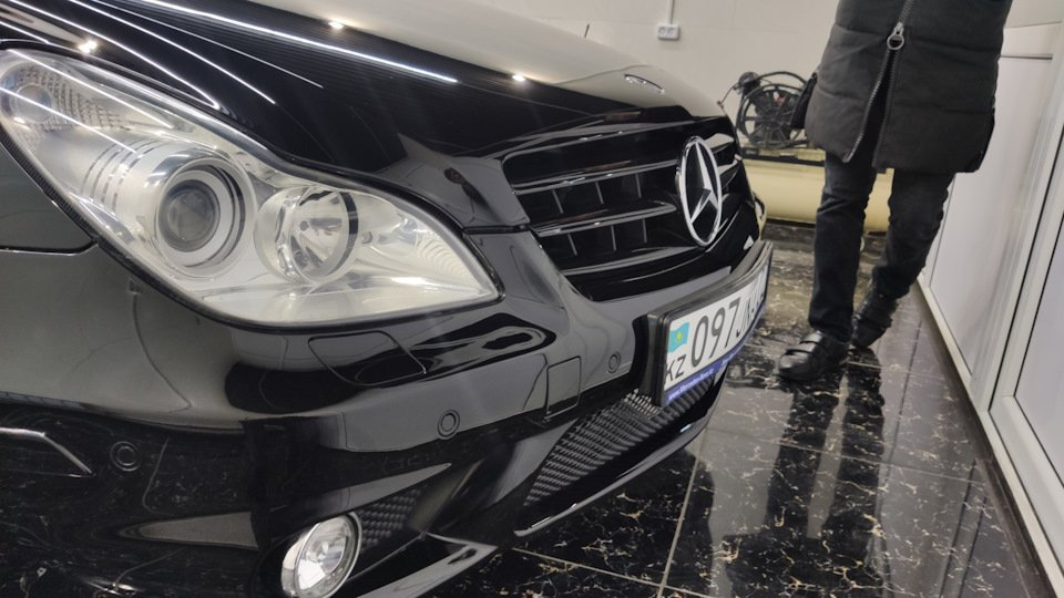 Mercedes CLS55 AMG Black (2)