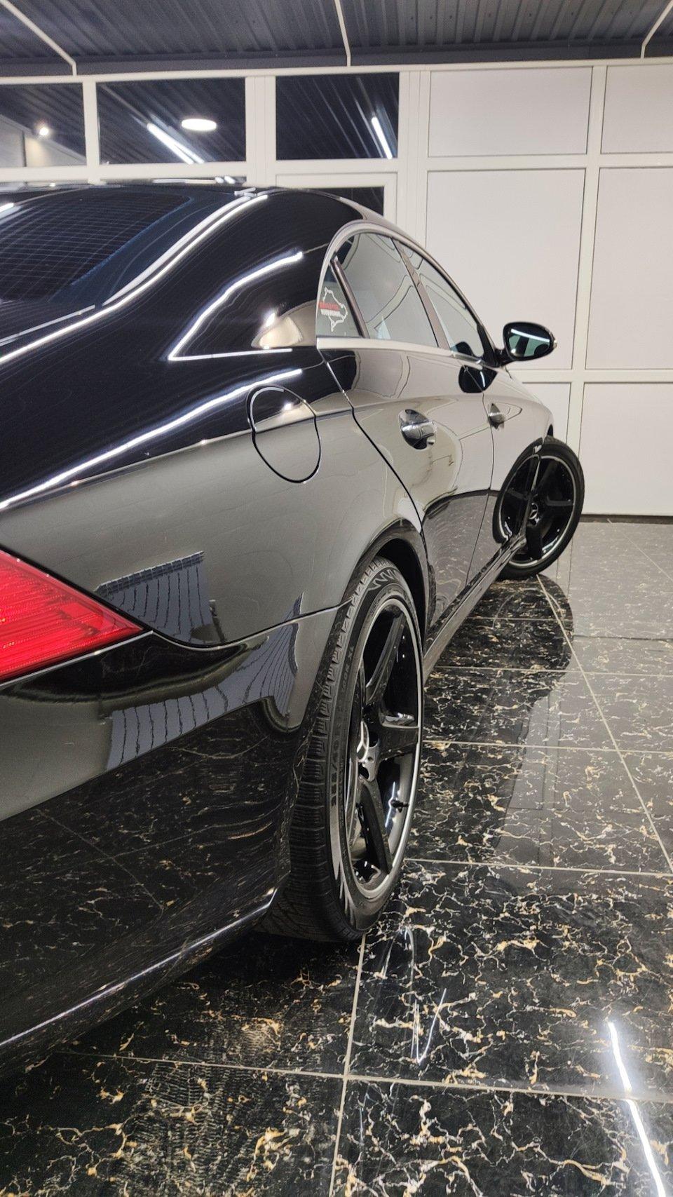 Mercedes CLS55 AMG Black (32)