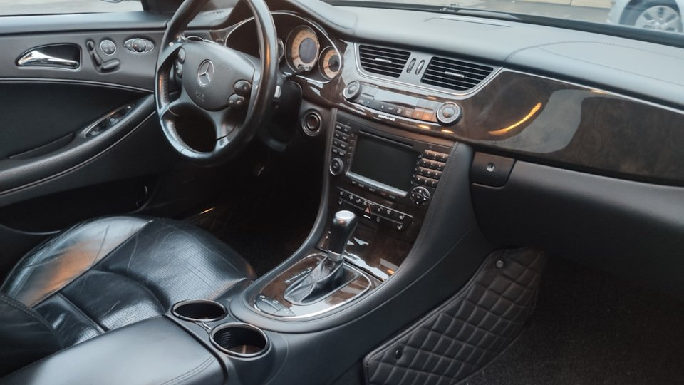 Mercedes CLS55 AMG Black (9)