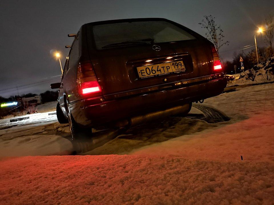Mercedes E-class E280 S124 Candy Brown (27)
