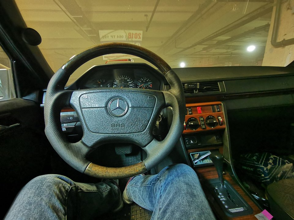 Mercedes E-class E280 S124 Candy Brown (41)
