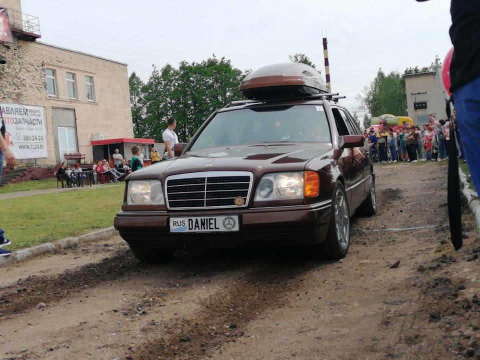 Mercedes E-class E280 S124 Candy Brown (51)