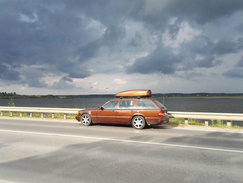 Mercedes E-class E280 S124 Candy Brown (58)