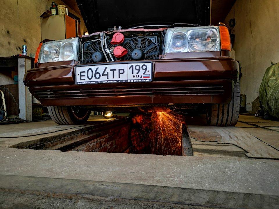 Mercedes E-class E280 S124 Candy Brown (61)