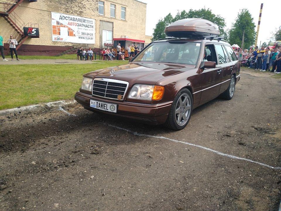 Mercedes E-class E280 S124 Candy Brown (63)