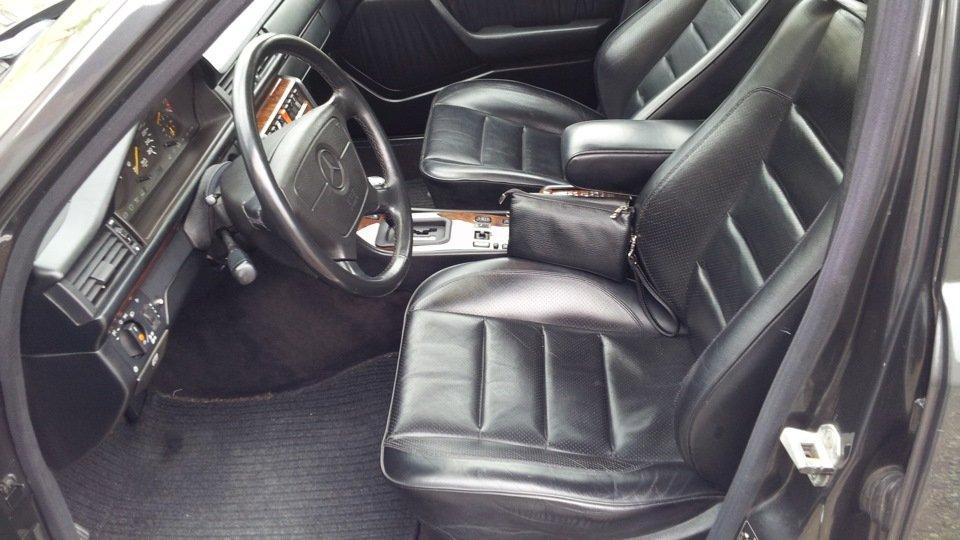 Mercedes E-class W124 E500 (12)