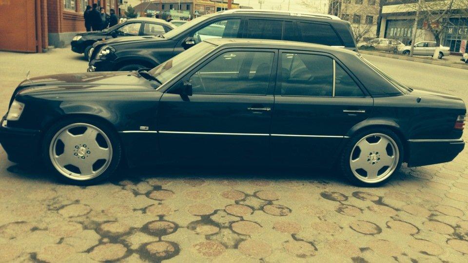 Mercedes E-class W124 E500 (3)