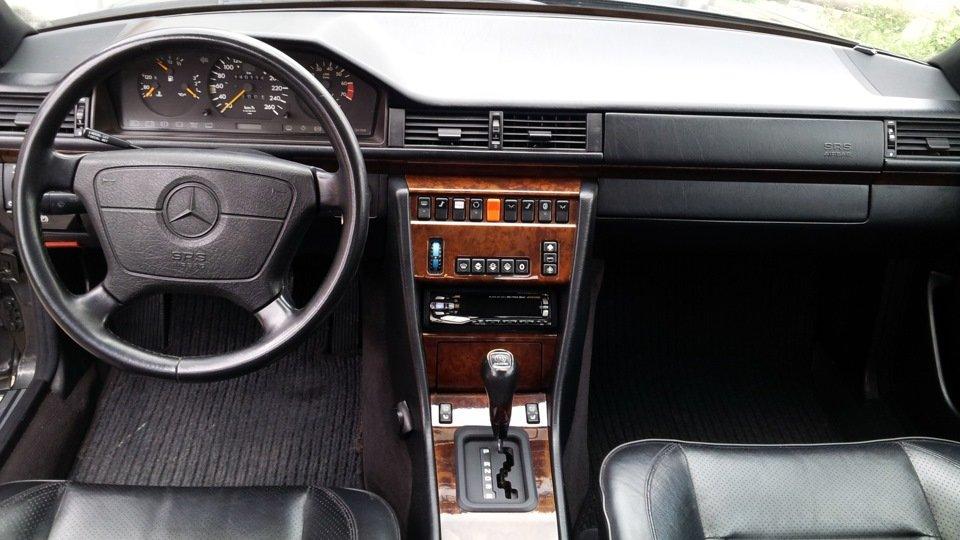 Mercedes E-class W124 E500 (4)