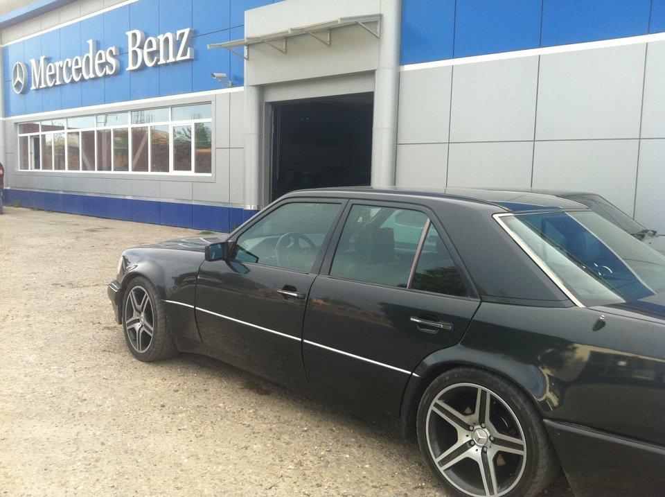 Mercedes E-class W124 E500 Black (6)