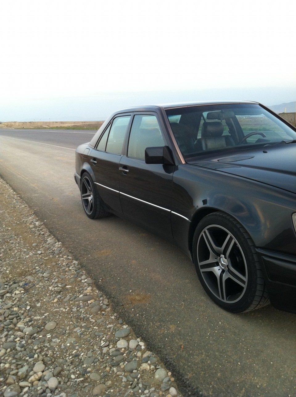 Mercedes E-class W124 E500 Black (8)