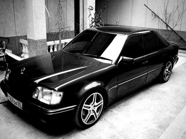 Mercedes E-class W124 E500 Black (9)