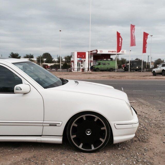 Mercedes E55 AMG W210 (10)