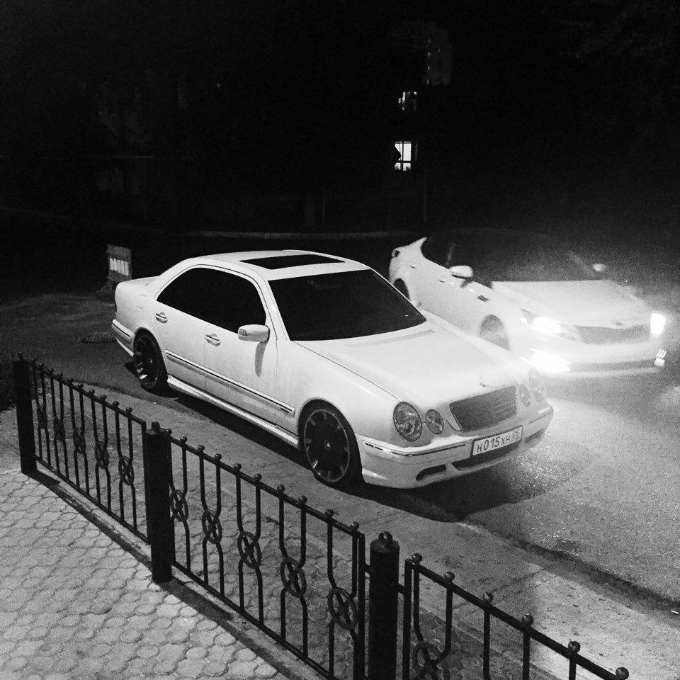 Mercedes E55 AMG W210 (12)