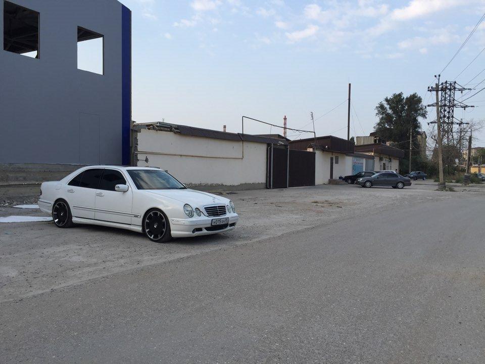 Mercedes E55 AMG W210 (13)
