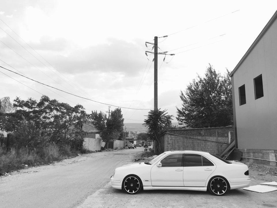 Mercedes E55 AMG W210 (17)