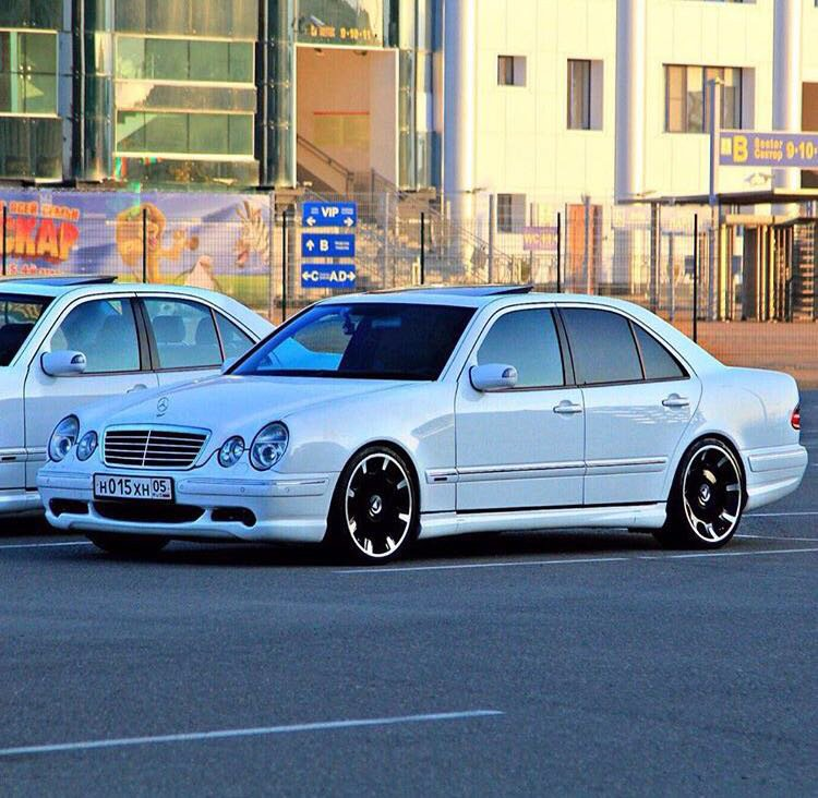Mercedes E55 AMG W210 (5)