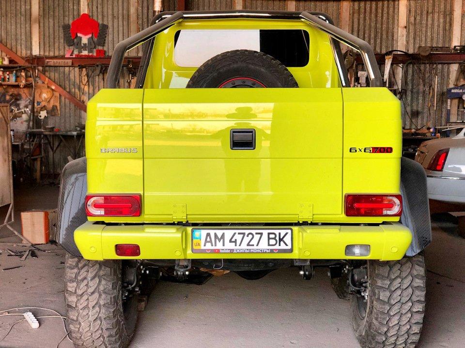 Mercedes G-class G 6x6 BRABUS (12)