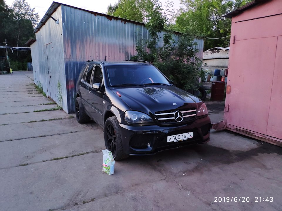 Mercedes M-class ONE.6.3 AMG 5.5 Kompressor W163 (52)