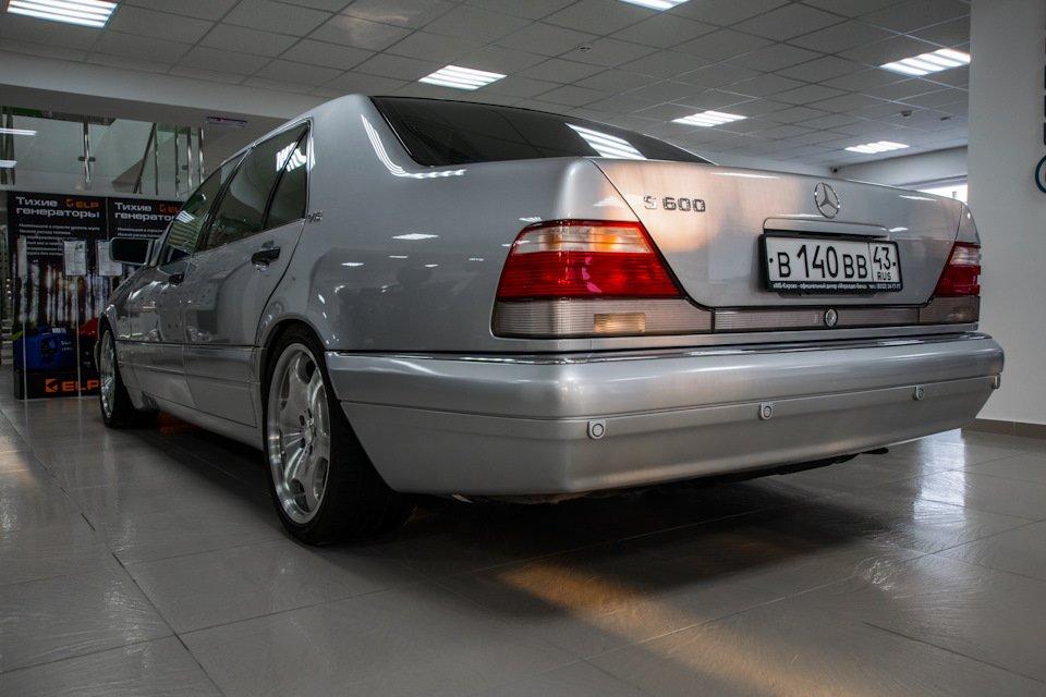 Mercedes S-class W140 S600 V12 (35)