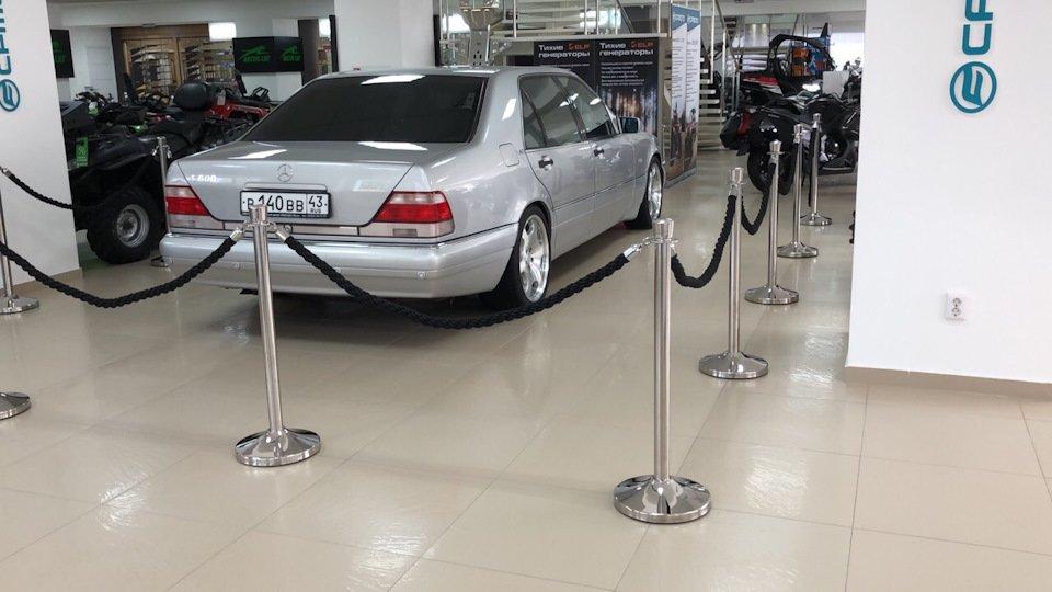 Mercedes S-class W140 S600 V12 (54)